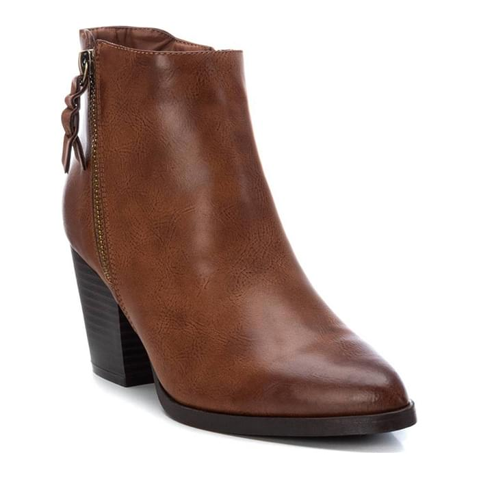 mpotakia, papoutsia, Refresh, refresh shoes, xti, xti footwear, xti shoes, xti μποτακια, γυναικεια μποτακια, γυναικεια παπουτσια, γυναικειεσ μποτεσ, μποτακια, μποτακια γυναικεια, μποτακια γυναικεια δερματινα, μποτακια γυναικεια σκρουτζ, μποτακια δερματινα προσφορεσ, μποτακια με τακουνι, μπότες, μποτεσ γυναικειεσ, μποτεσ γυναικειεσ προσφορεσ, παπουτσια, παπουτσια online, Παπούτσια Refresh, παπουτσια γυναικεια, παπουτσια γυναικεια φθηνα